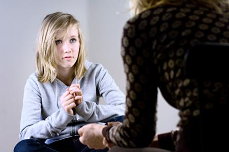 Halifax psychologist providing therapy to teenager